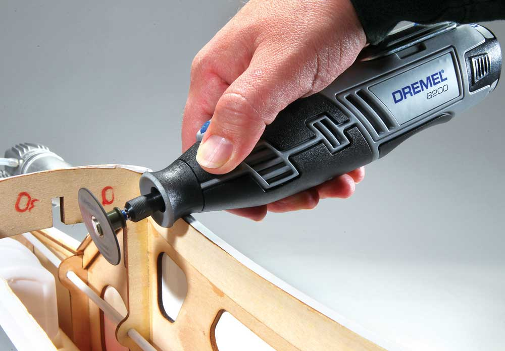 Review: Dremel 8200 12V Max Lithium-Ion Cordless Rotary Tool Kit